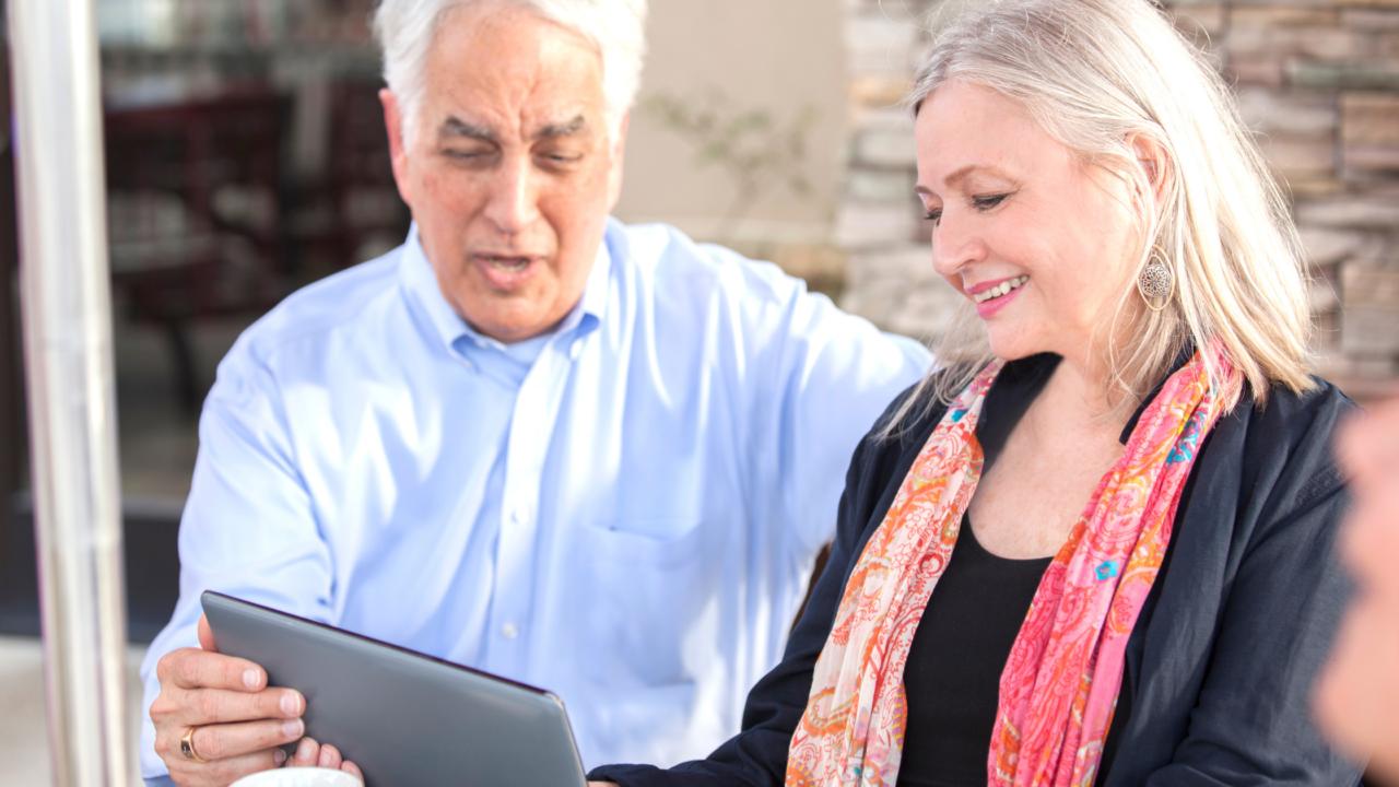 Adultos mayores son mercado para emprendimiento digital